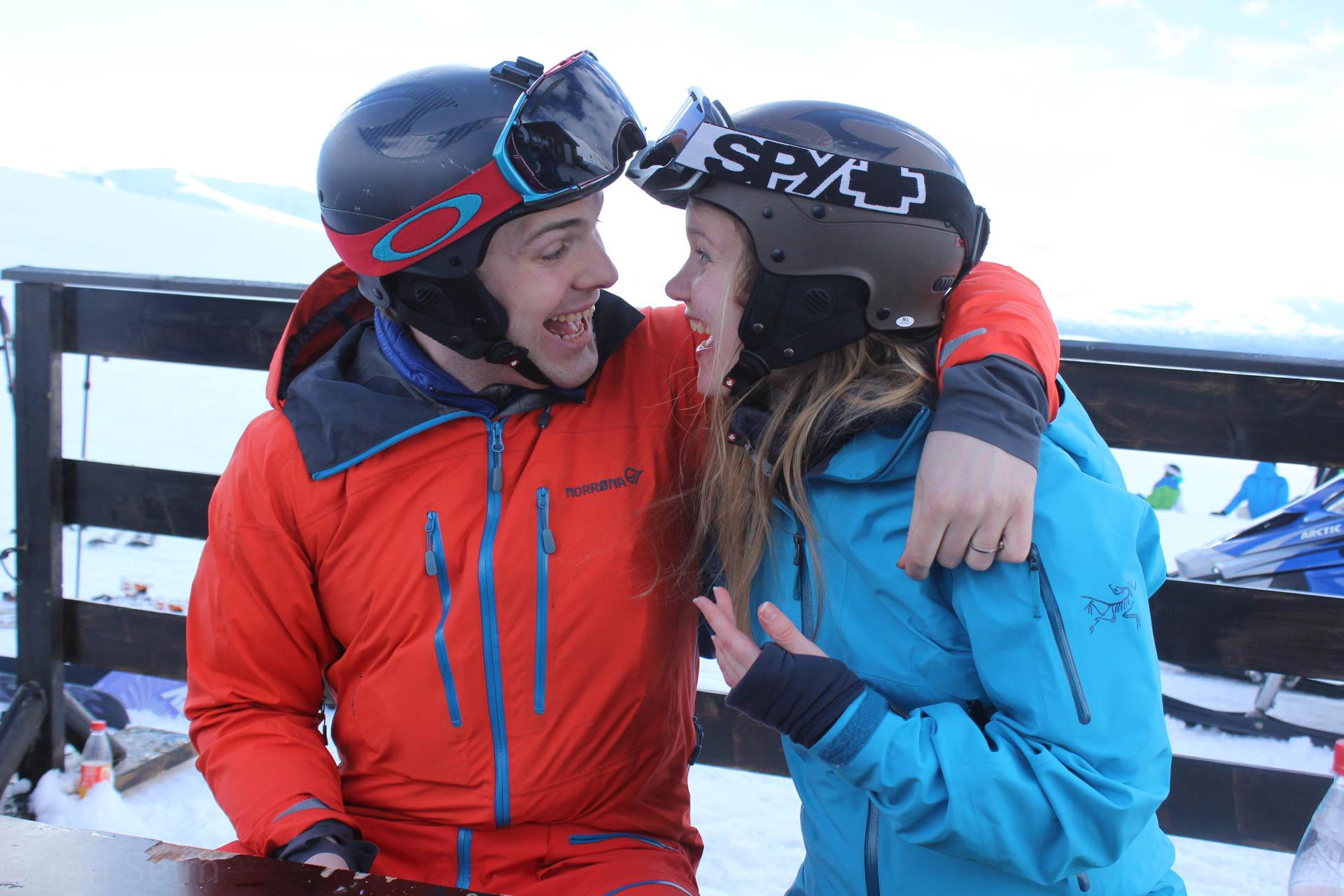 Her er vi på Stryn etter Jon og kusina Mari har vært på topptur.